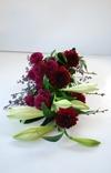 Bårebuket med liljer