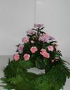 Krans med chrysanthemum og nelliker