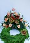 Krans med roser og anthurium