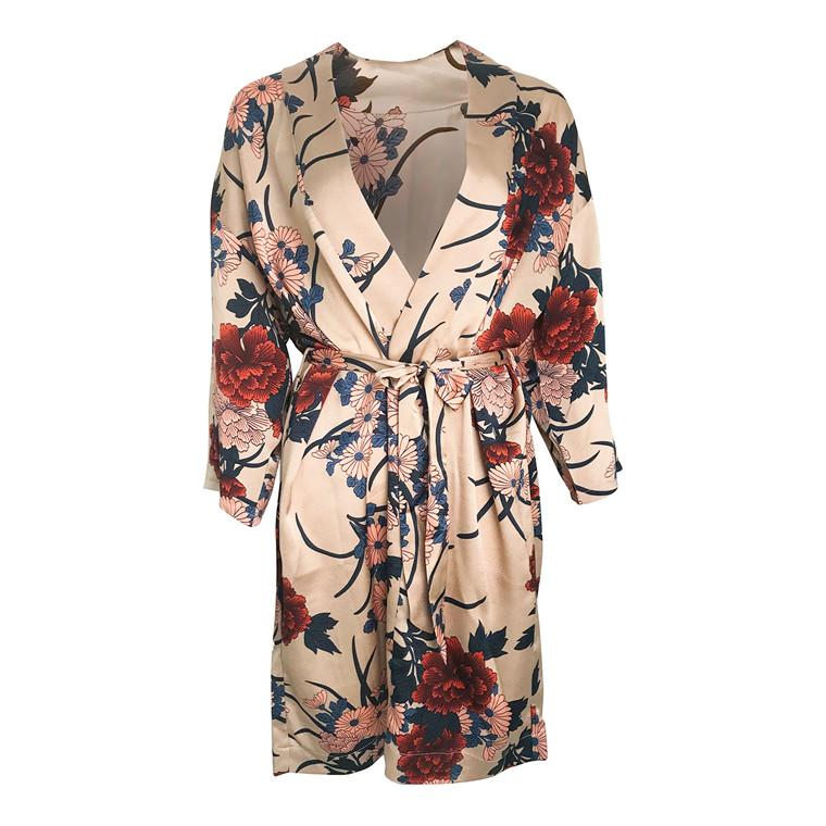 Neo Noir Kelsie Flower Kimono
