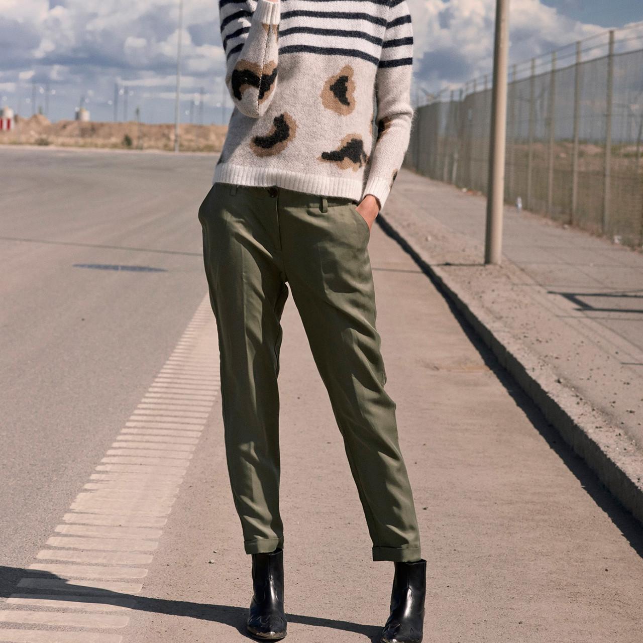 Masha Bukser i grøn fra Custommade - Køb Custommade online her
