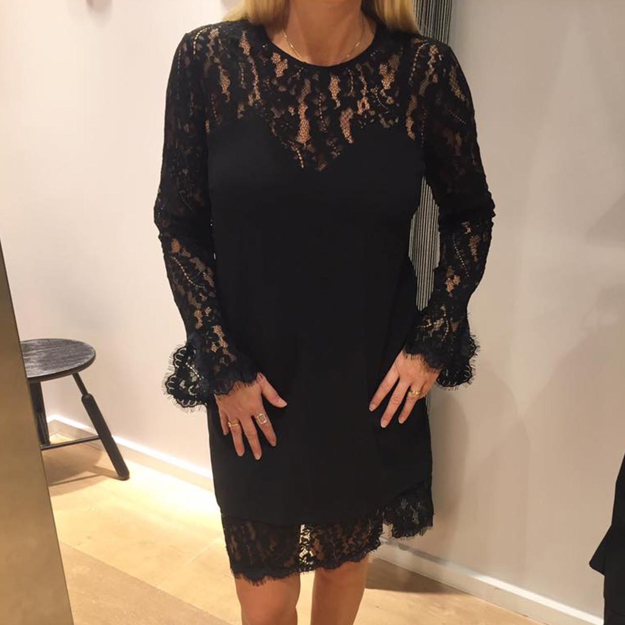 Lace Noir Kjole Med Blonder Køb I Sort Online Fra Neo Kira aWYn7qwd7