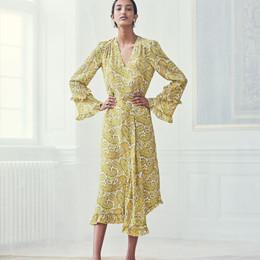 e77337b5b18 Ameli Kjole i gul fra Baum und Pferdgarten   20071   Køb din kjole ...