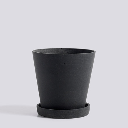 HAY Flowerpot With Saucer M Black