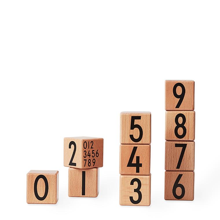 Design Letters Wooden Cubes Natural