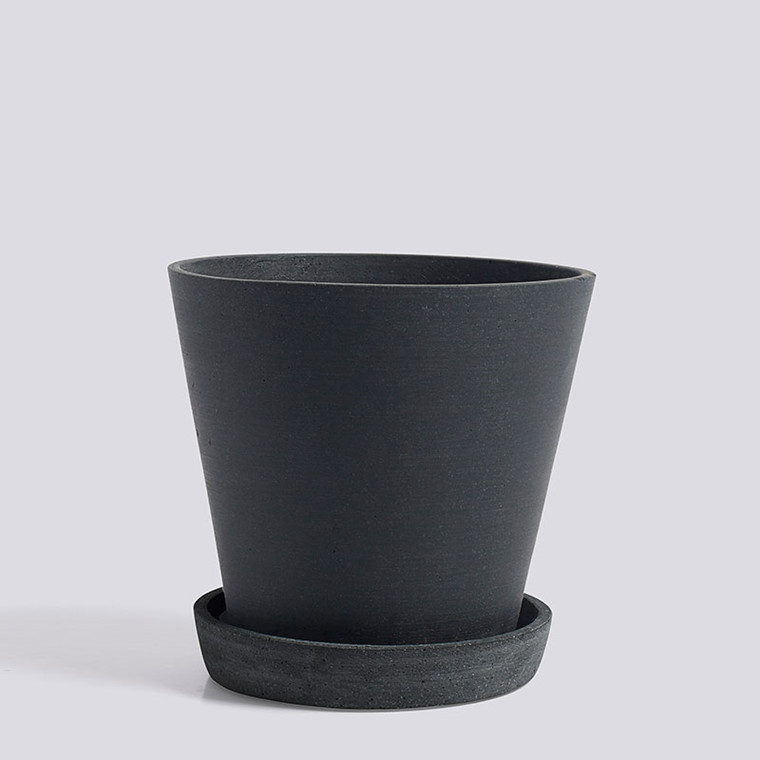 HAY Flowerpot With Saucer L Black