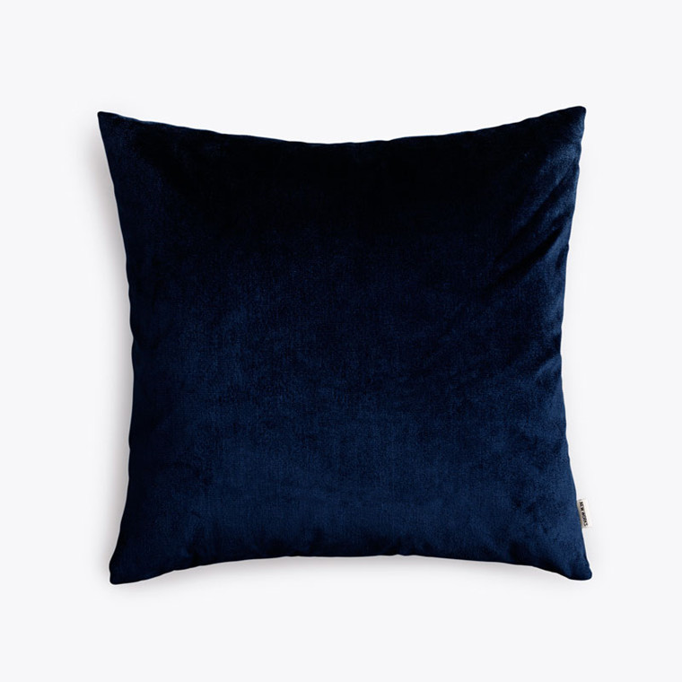 New Works Velvet Cushion Marineblå