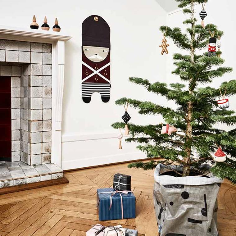 OYOY Christmas Guard Advent Calendar