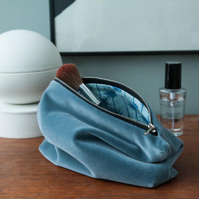 Semibasic LUSH Pocket Medium Blue