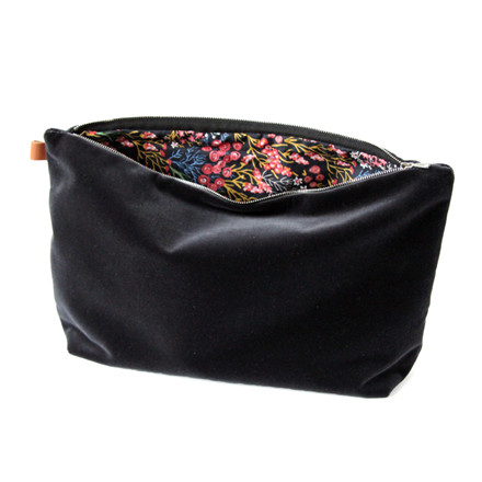 Semibasic LUSH Pocket Large Black