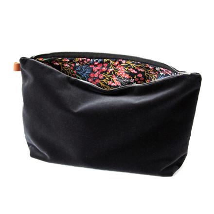 Semibasic LUSH Pocket Large Black