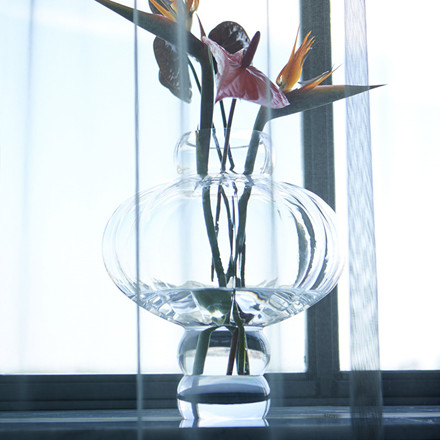 Louise Roe Balloon Vase 02 Clear
