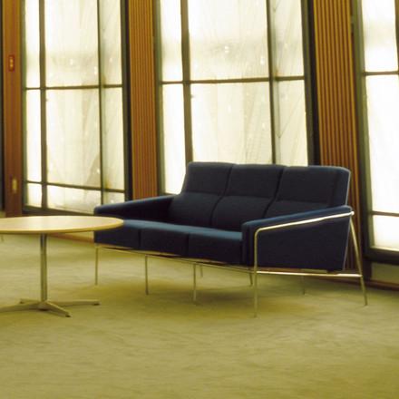 Fritz Hansen 3303 Sofa 3-Pers Stof