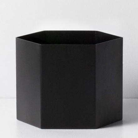 Ferm Living Hexagon Pot Black