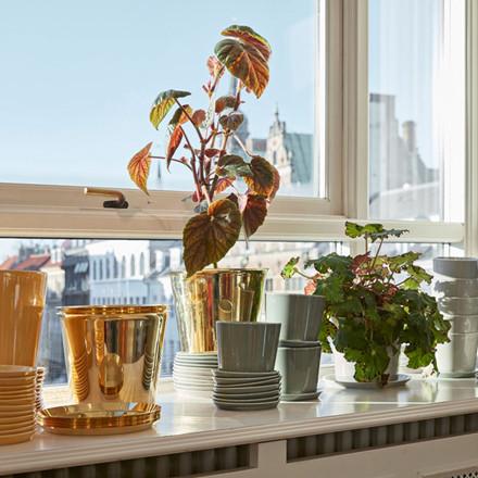 HAY Botanical Family Pot M Brass