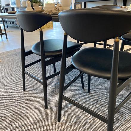 Gubi Gent Chair Sort Ask/Læder (4 stk.) Udstillingsmodel