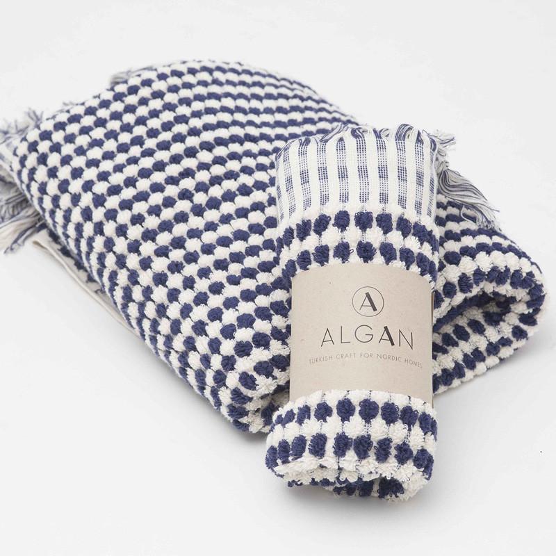 Algan – Algan ahududu håndklæde navy fra livingshop