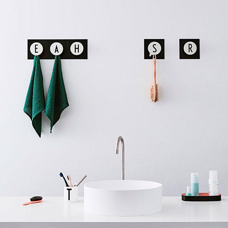 knager til badeværelse