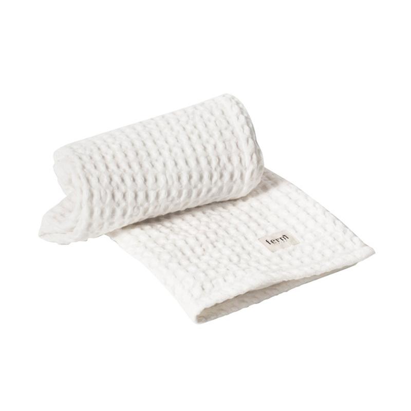 Ferm living – Ferm living organic håndklæde hvid på livingshop