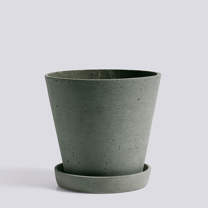 Hay flowerpot with saucer l green