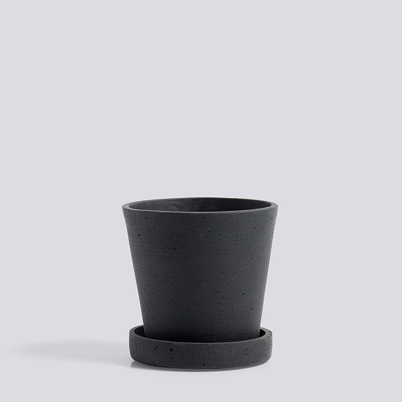 Hay flowerpot with saucer s black