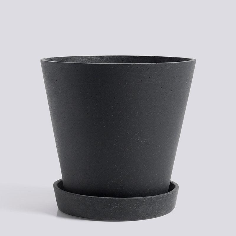 Hay flowerpot with saucer xl black