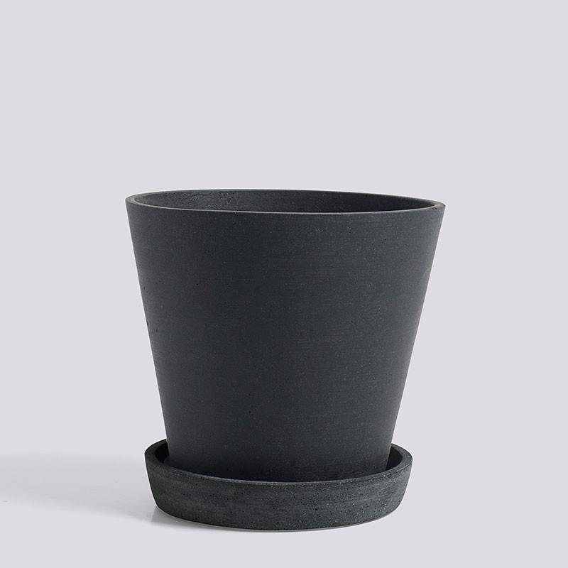 Hay flowerpot with saucer l black