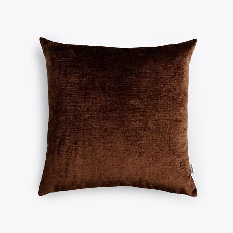 N/A – New works velvet cushion mørkebrun på livingshop