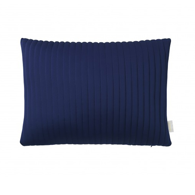 Nomess linear memory pillow rectangular blue fra Nomess på livingshop