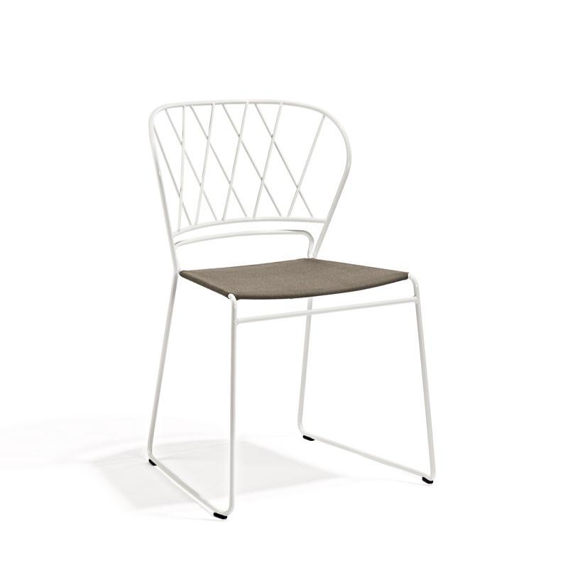 Skargaarden Resö Chair White Metal White Fabric Seat fra Skargaarden