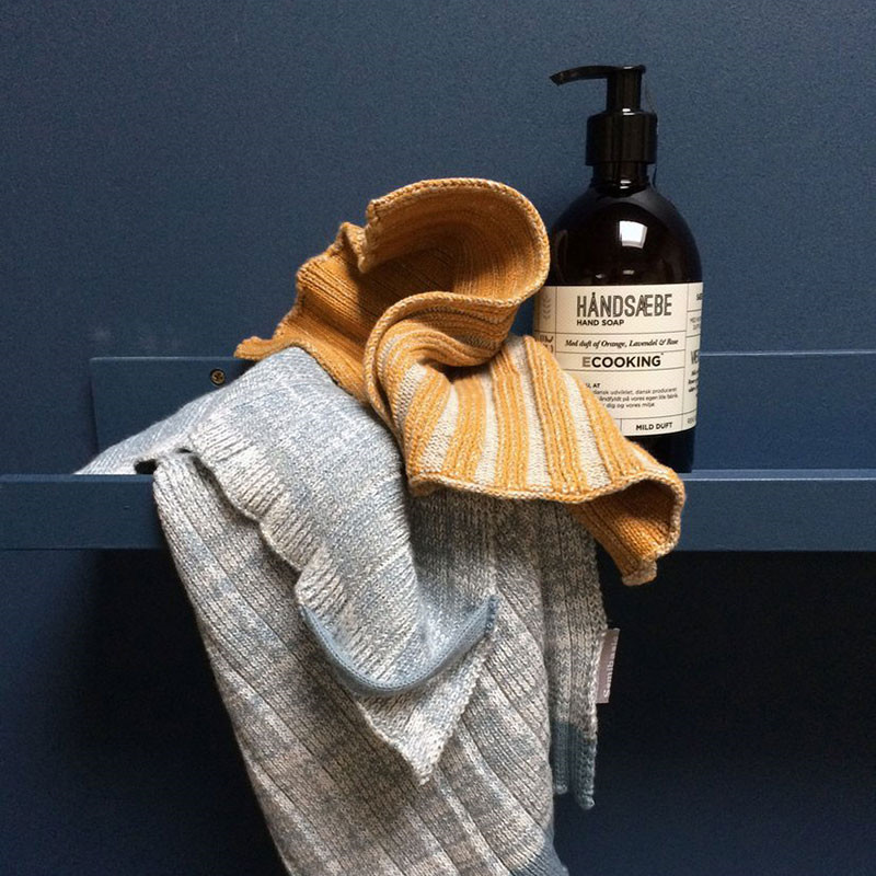 Image of   Semibasic Hand Plissé Knit Towel Blue