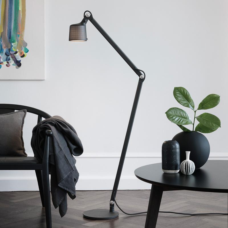 Vipp 525 gulvlampe sort fra Vipp fra livingshop
