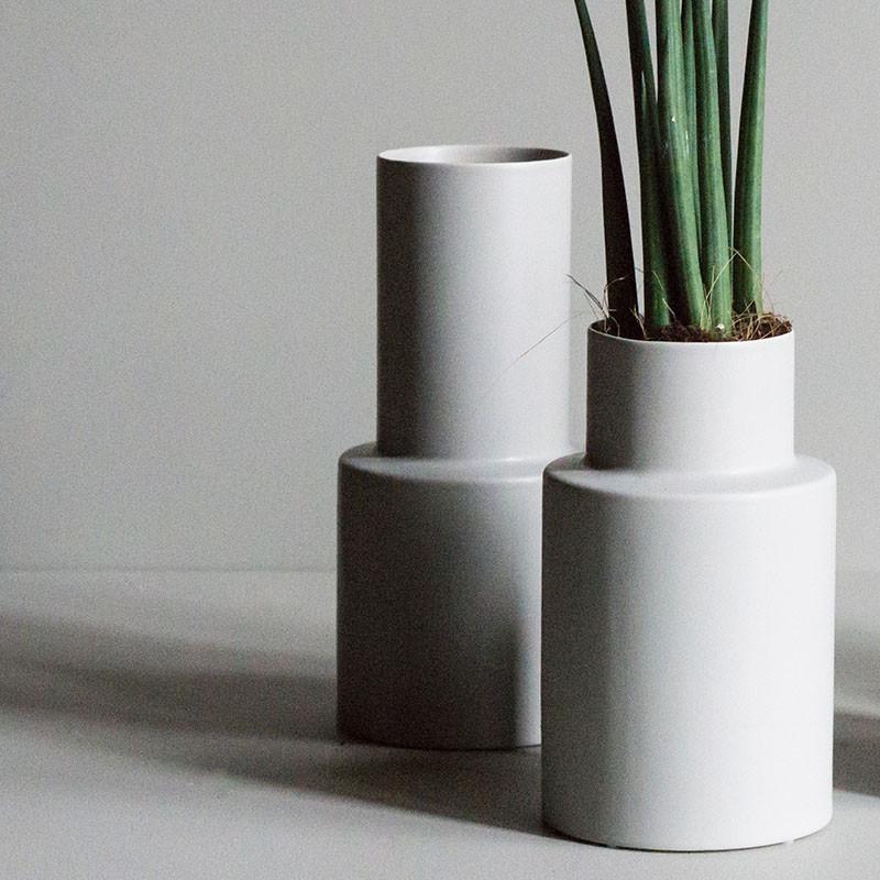 Dbkd oblong vase small mole