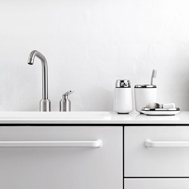 vipp badeværelse Køb Vipp Badarmatur   Køb hos Livingshop.dk vipp badeværelse