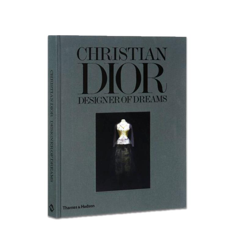 FASHION BOG - CHRISTIAN DIOR DESIGNER OF DREAMS