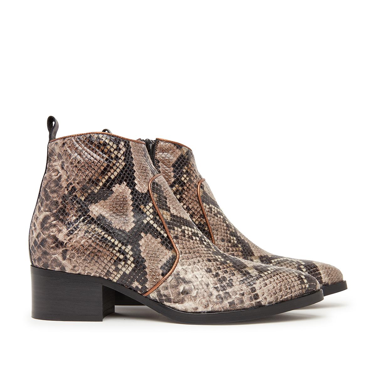d9c0fa46683 Støvler   Køb lækre støvler til kvinder online her - Rikke Solberg