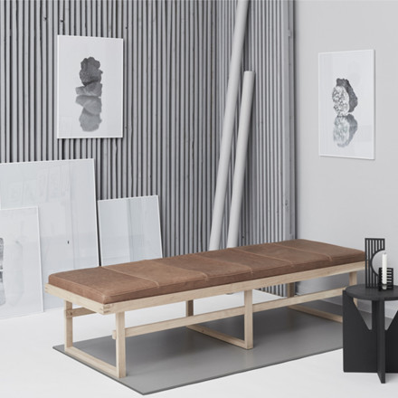 Kristina Dam Daybed The Vertical
