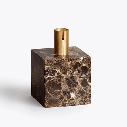 New Works Block Lysestage Mørke brun marmor
