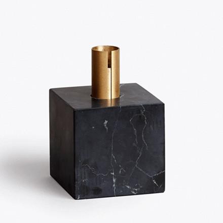 New Works Lysestage Block sort marmor
