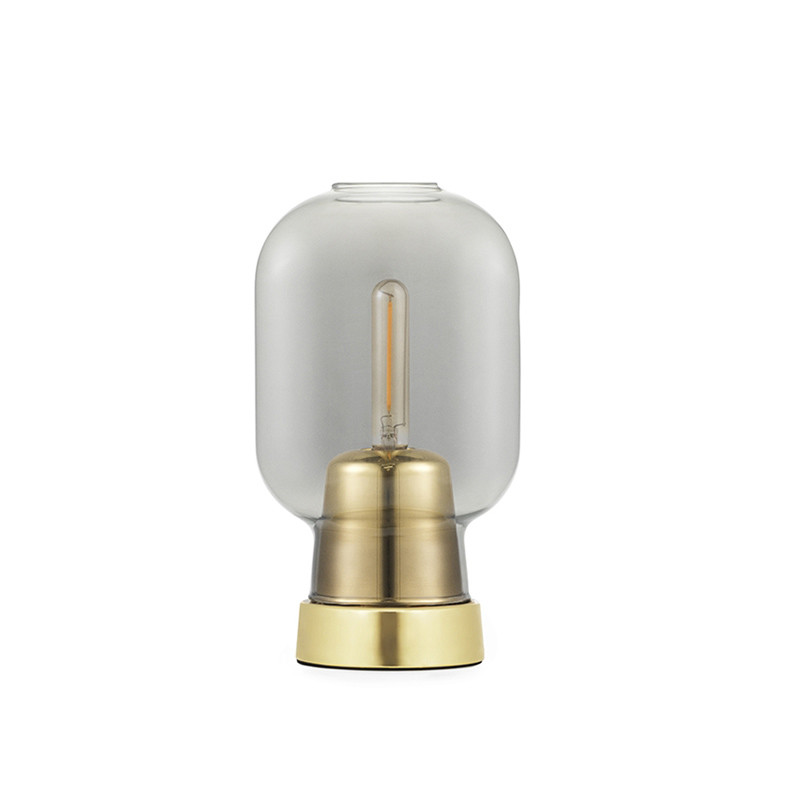 Normann Copenhagen Bordlampe Amp, Røg/messing