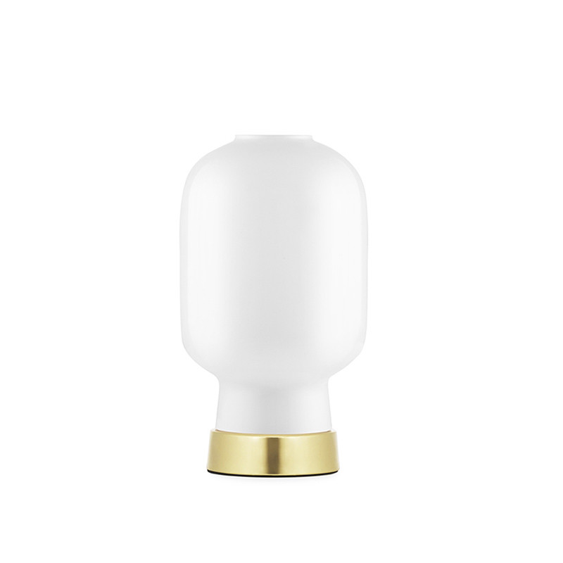 Normann Copenhagen Bordlampe Amp, Hvid/messing