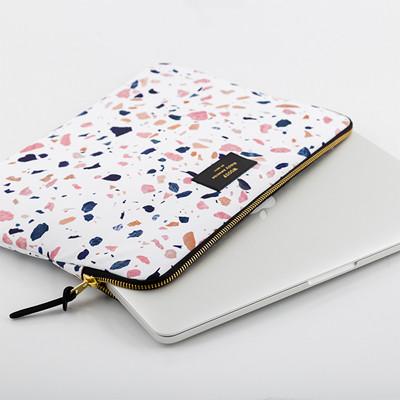 Woouf Macbook Pro Sleeve Hvid Terrazzo