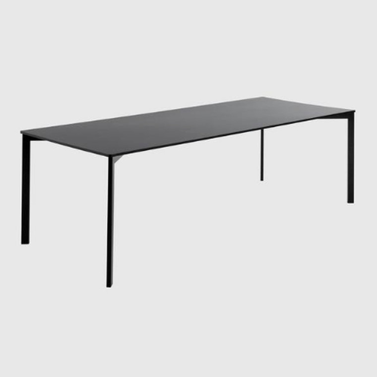 Gubi Y! Dining Table Laminat Sort
