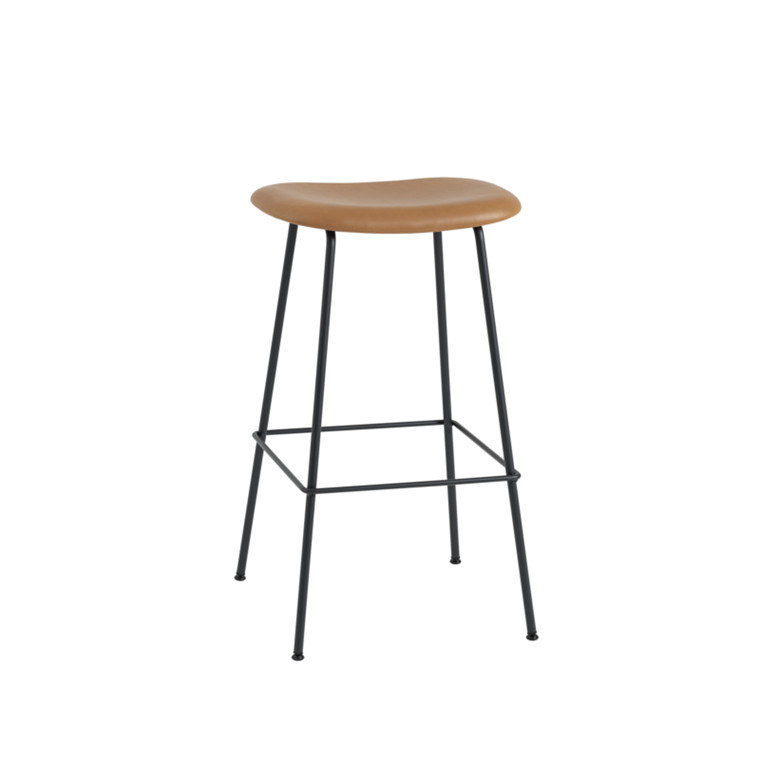 Muuto Fiber Bar Stool Tube  Cognac Silk Læder