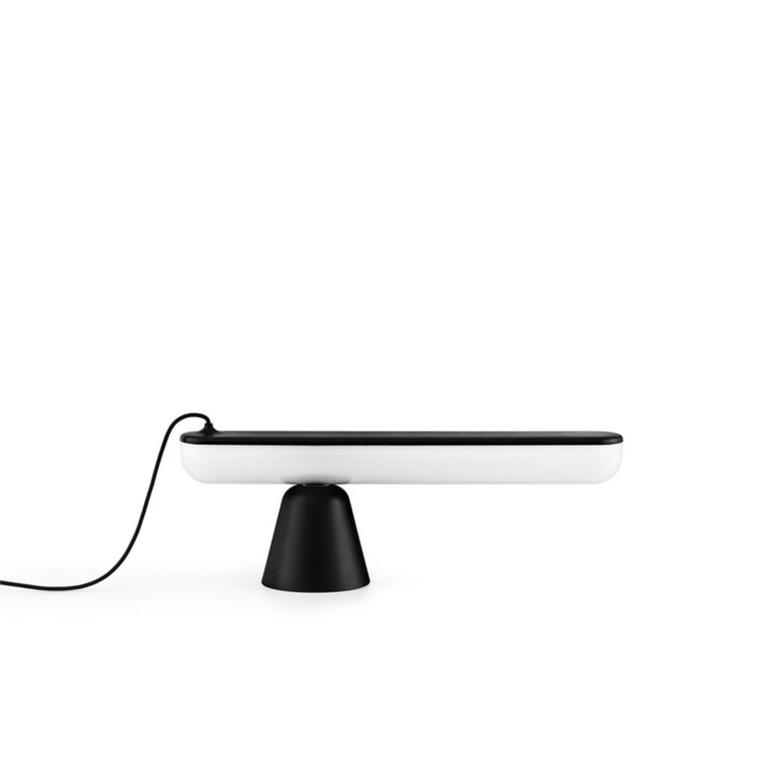 Normann Copenhagen Bordlampe Acrobat