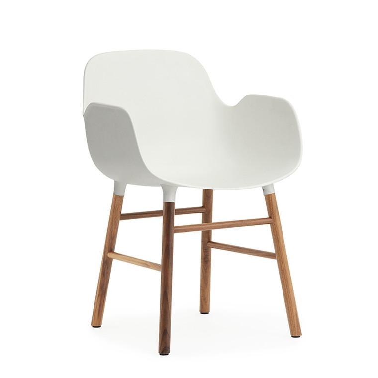 Normann Copenhagen Form Armchair Stol Valnød