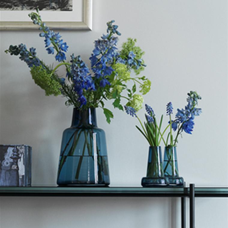 Holmegaard Flora Vase kort hals, blå, H 24 cm