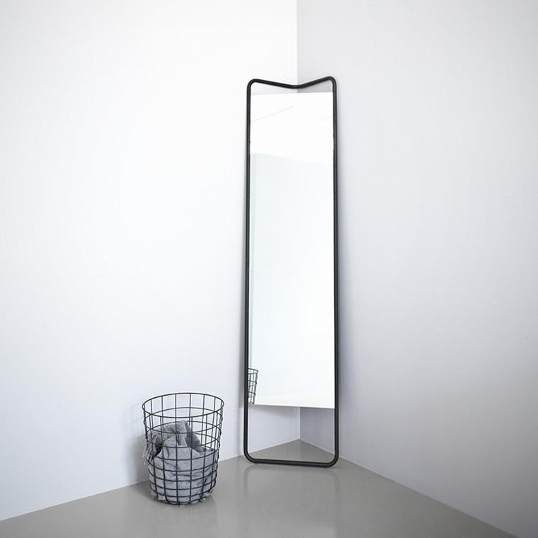 Menu Kaschkasch Floor Mirror Sort