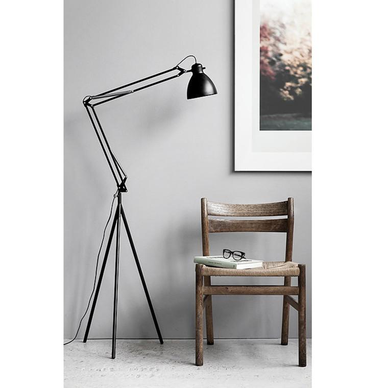 Moebe Stand Arkitektlampe m. fod Sort
