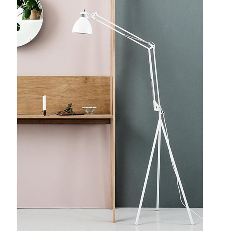 Moebe Stand Arkitektlampe m. fod Hvid